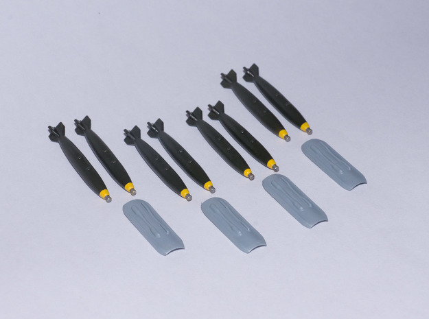 Saab Gripen Twin Store Carriers with Mk82 Bombs in Smooth Fine Detail Plastic: 1:72