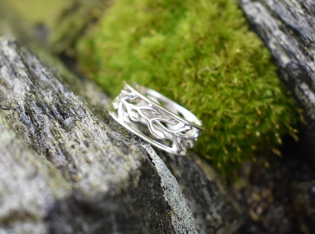 Vine Ring - Size 6.5 in Fine Detail Polished Silver