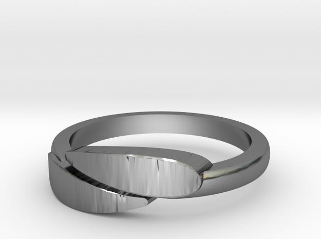 Leaf ring in Fine Detail Polished Silver: 1.5 / 40.5