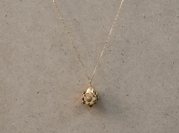 Anemone Necklace in 18k Gold Plated Brass