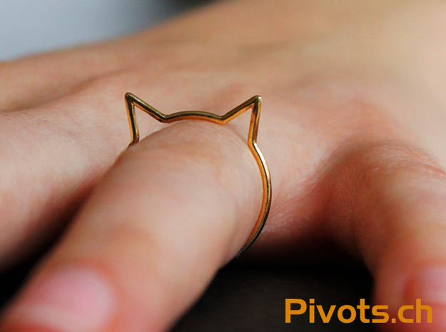 "Cat Ear Ring ""Büsi"" in Polished Brass"