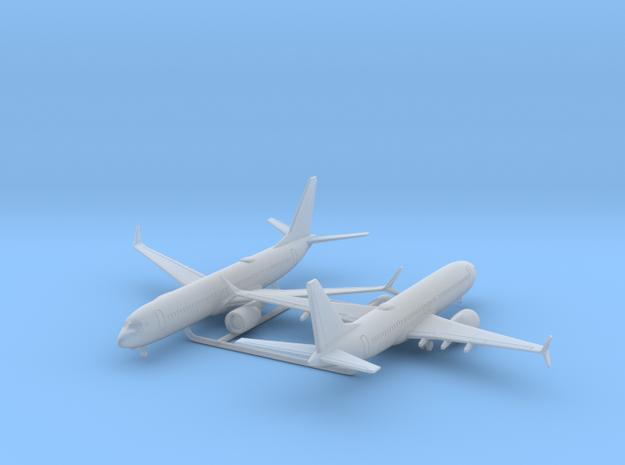 737 MAX 8 w/Gear x2 (FUD) in Smooth Fine Detail Plastic: 1:700