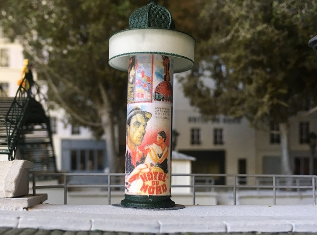 Advertising Column - Colonne Morris - HO 1/87 in Smooth Fine Detail Plastic