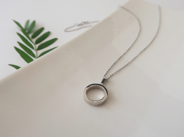 Simply in Rhodium Plated Brass