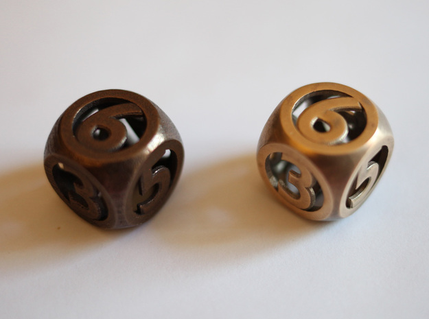 hollow round die 3d printed In polished bronze steel (left) and raw bronze (right)