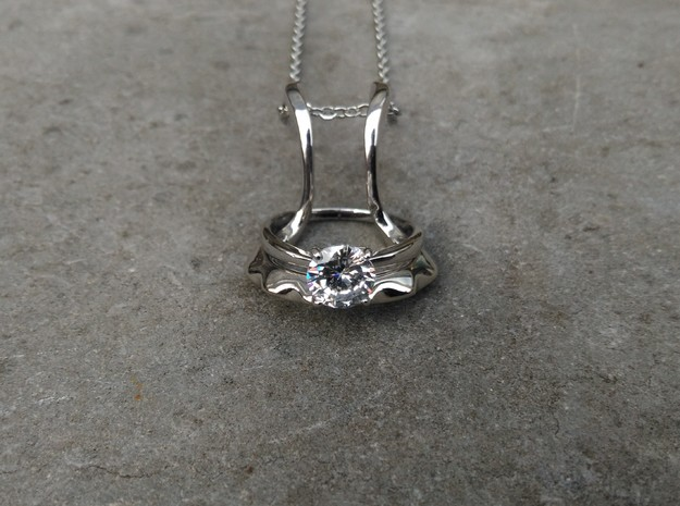 Ring holder pendant: Embrace in Rhodium Plated Brass