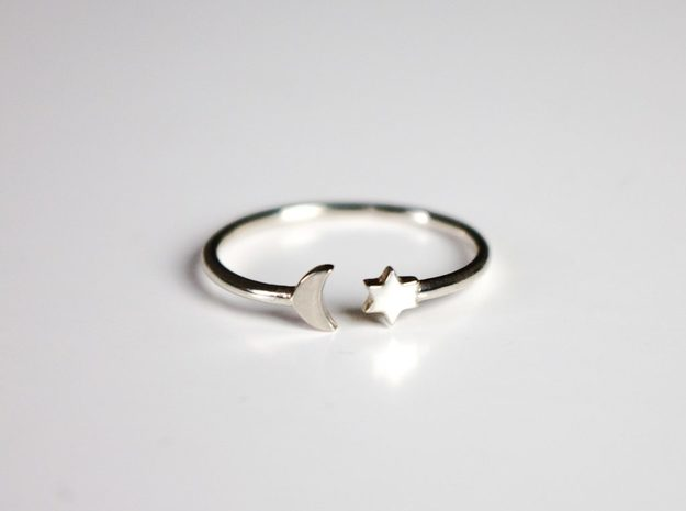 Moon and Star Ring in 18k Gold Plated Brass: Small