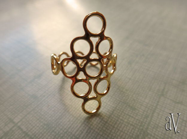 Round Bee Open 3T Ring in 14k Gold Plated Brass: 10 / 61.5