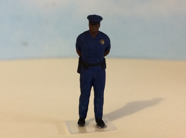Police Officer Standing Waiting in Smoothest Fine Detail Plastic: 1:64 - S