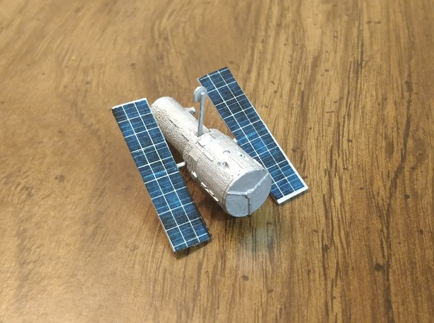 Hubble Space Telescope 1:400 in Smooth Fine Detail Plastic