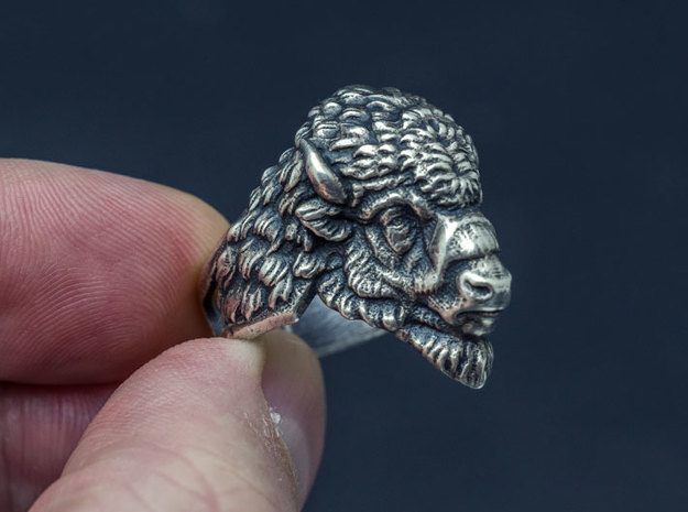 Bison Head Ring in Antique Silver: 11.5 / 65.25