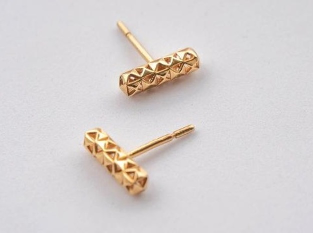 Earring Studs Pyramid Hollow pattern in 18k Gold Plated Brass