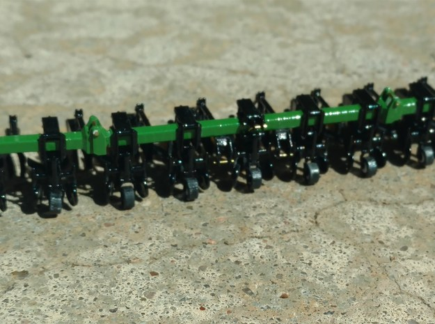 1/64 Scale 9100 Cultivator 8row36 Row Units 1of2 in Smooth Fine Detail Plastic