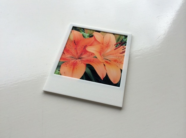 Polaroidesque photo frame 3d printed