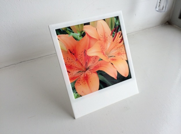Polaroidesque photo frame