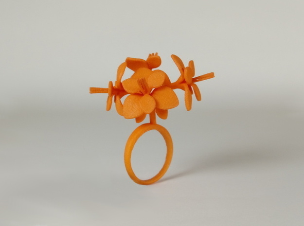 Amaryllis ring with four large flowers in White Processed Versatile Plastic: 7.25 / 54.625
