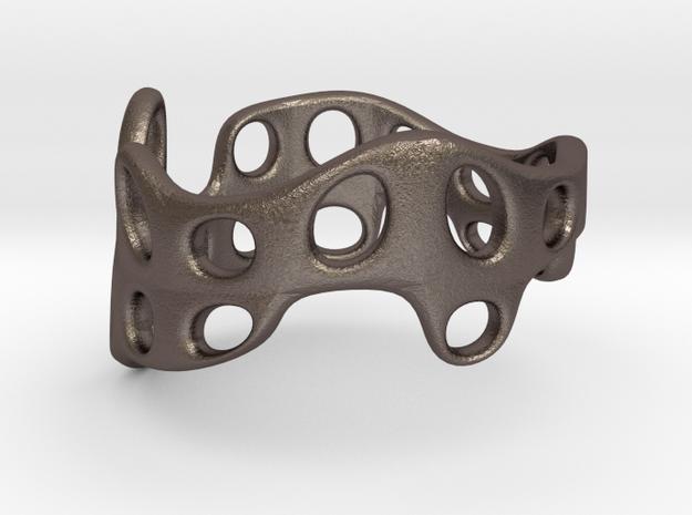 s3r028s9 GenusReticulum  in Polished Bronzed Silver Steel