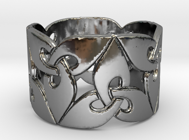 Triquetra Ring Size 8 in Fine Detail Polished Silver