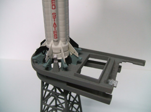 1/400 Saturn 1B MLP, Apollo launch pad 3d printed This shows the hold-down arms and umbilical supply lines.