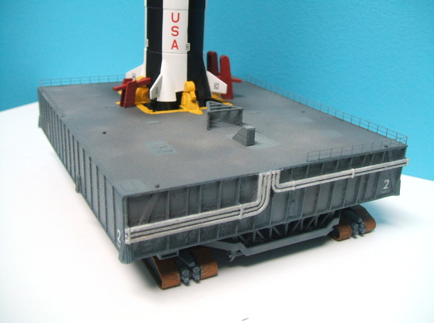 1/400 Saturn V MLP & Crawler, Apollo launch pad 3d printed Hold-down armes can be seen in this view.