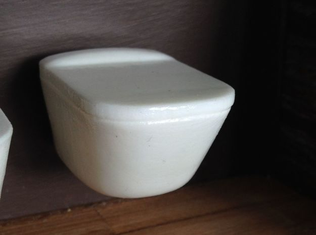 1:12 Toilet with lid, wall-hung