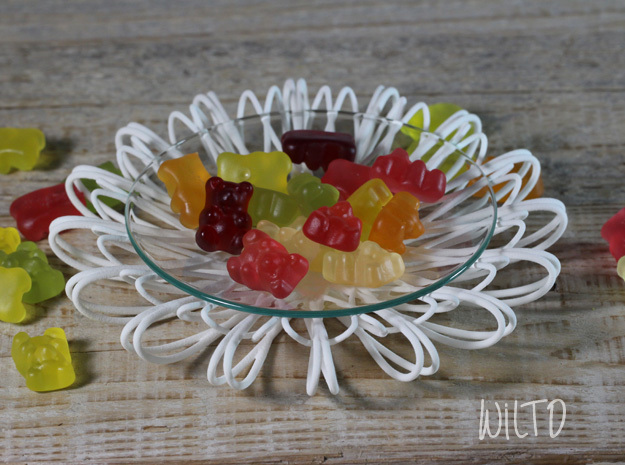 Flower Plate in White Natural Versatile Plastic