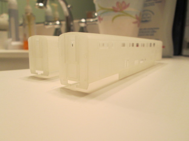 n scale Amtrak Surfliner Coach (trailer) in Frosted Ultra Detail