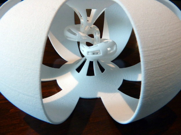 Figure 8 knot complement in White Natural Versatile Plastic
