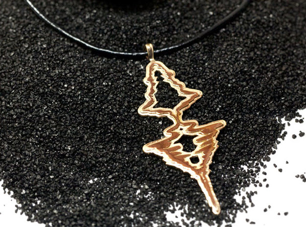 "French - ""Je t'aime"" Sound Wave Necklace 3d printed Je t'aime 
