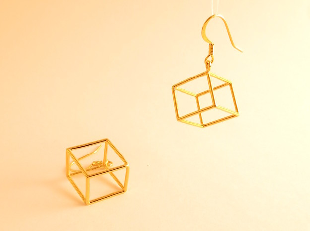 Earth earrings in 18k Gold Plated