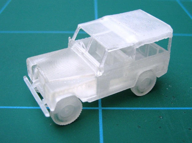 2 Land Rovers At 1/48 Scale 3d printed