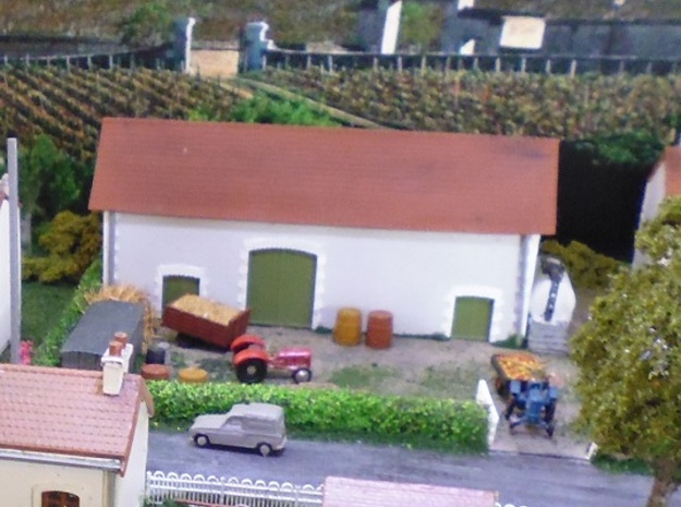Charente Barn - FUD - Nm - 1:160 in Smooth Fine Detail Plastic