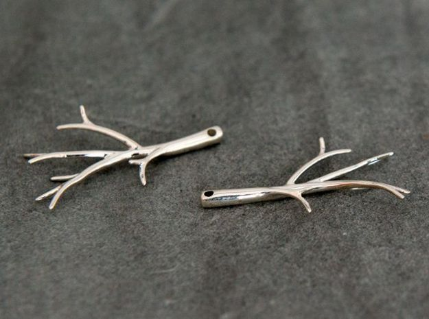 Twiggy Earrings in Fine Detail Polished Silver: Small