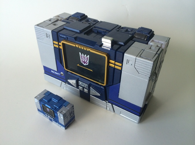 HAND PAINTED AND NEXT TO THE MP SOUNDWAVE