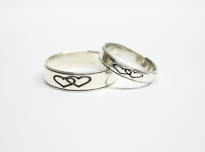 this ring has engraving on the inside, just let me know what you would like in yours.