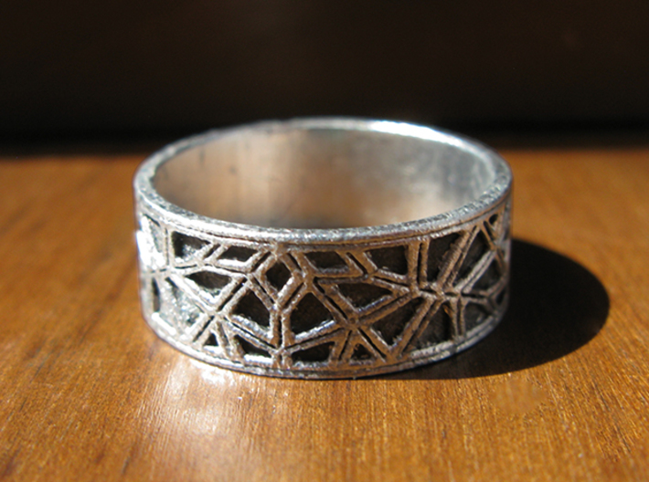 Moorish Geometric Lattice Ring 3d printed This is Frosted Ultra Detail, painted and stained to look like raw silver.