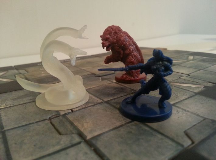 Two Headed Snake Miniature 3d printed Model compared with some figures from D&D