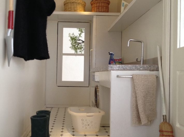 Laundry Basket in 1:12, 1:24 3d printed 1:12, Laundry room in Marion's Glenwood Dollhouse