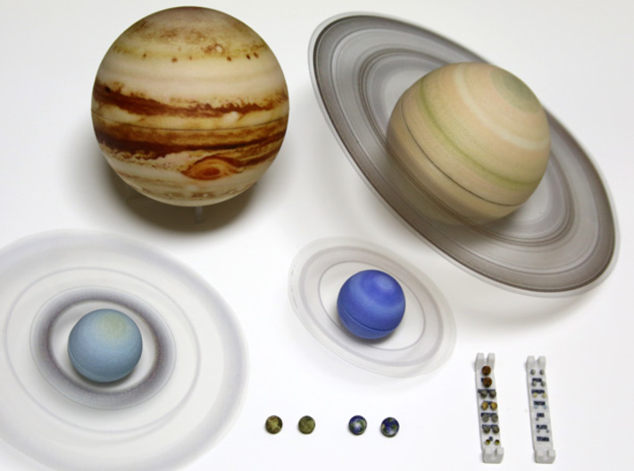 True scale model Solar-System. Moons & all planets 3d printed Photo of the planet models assembled with their (optional) rings
