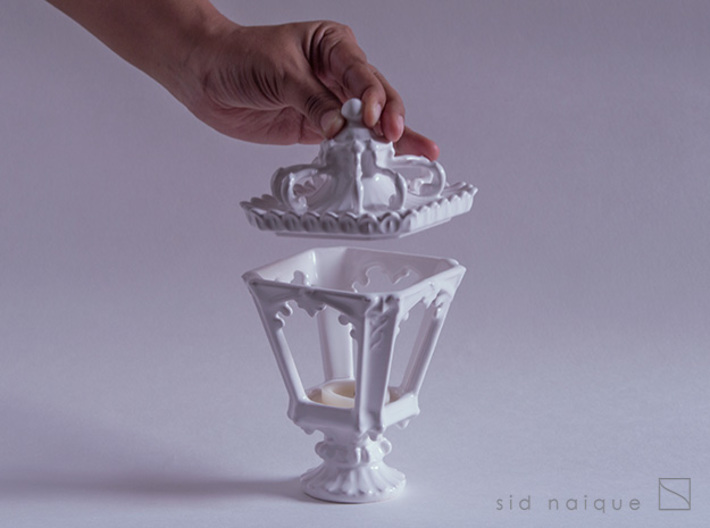 Candle Holder - Classic Lantern 01 - Tealight 3d printed A lid for easy access to the candle.