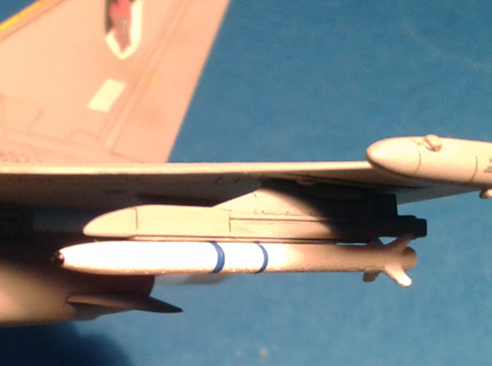 1/72 AIM-132 ASRAAM [4 Pack] 3d printed Fully painted ASRAAM's attached to a 1/72 scale Eurofighter Typhoon.
