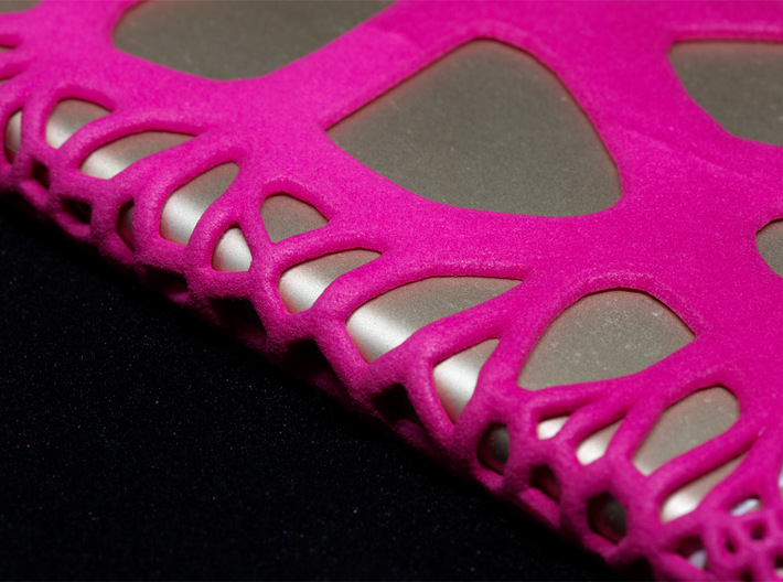 iPhone6 Case Paths (Extreme Voronoi Edition) 3d printed