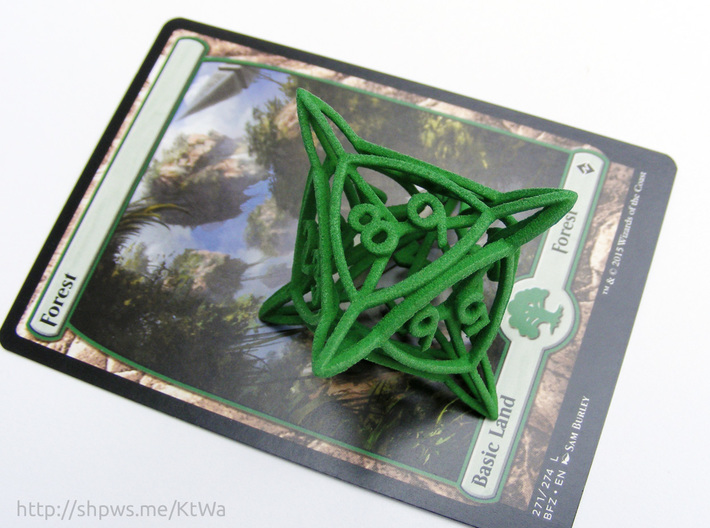 Large 'Center Arc' D8 Tarmogoyf P/T Die 3d printed With a Magic card for scale