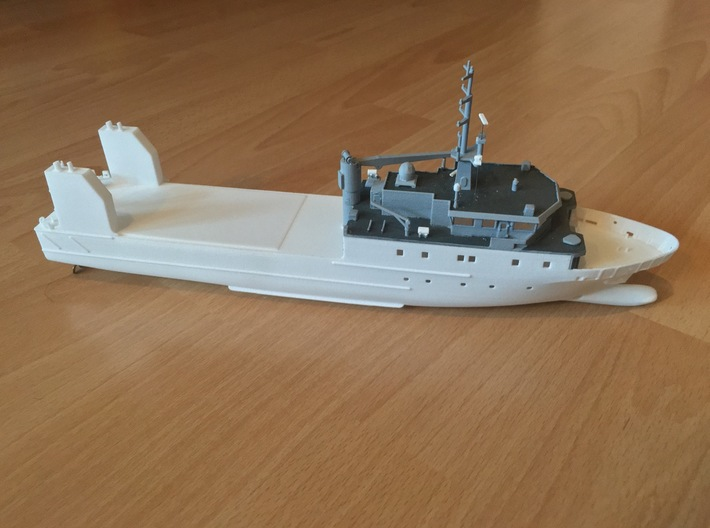 Rmah (A61), Hull (1:200) (ALT) 3d printed partly assembled (including deck and superstructure and details)