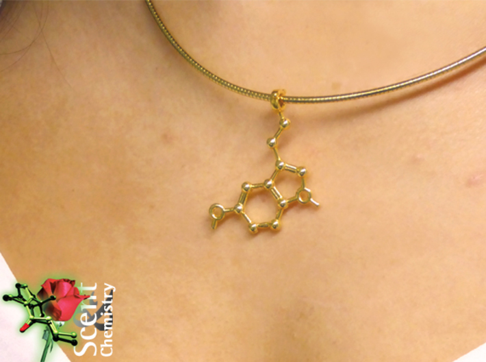 Serotonin 3d printed Detail view of the Serotonin pendant worn on a 18k gold-plated 2 mm/46 cm Omega-Halsreif.