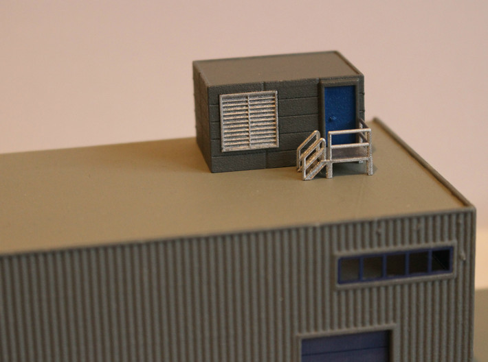 N Scale Tech Shack 3d printed Shack in use as rooftop plant room