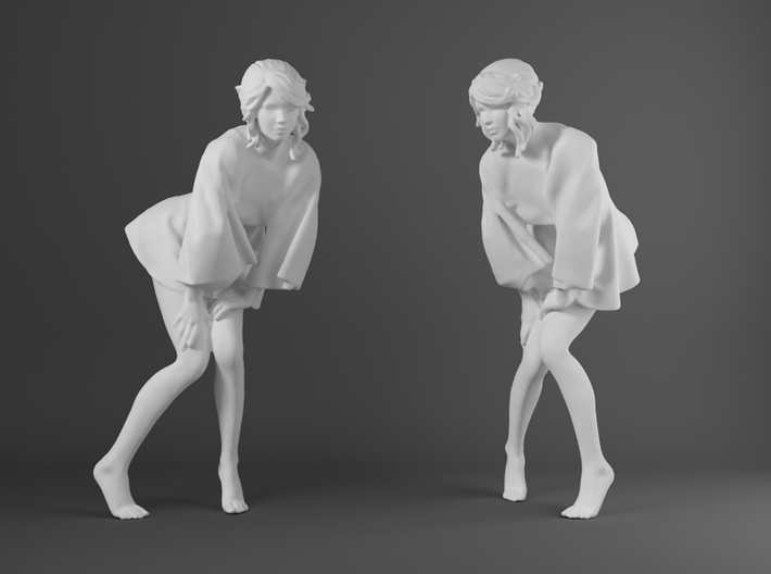 Skirt Girl-007-scale 1/32 3d printed
