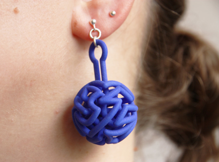 infinite labyrinth pendant 3d printed