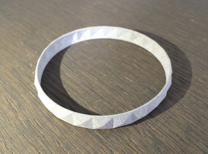 Pyramid Beveled Bangle (Hollow) 3d printed