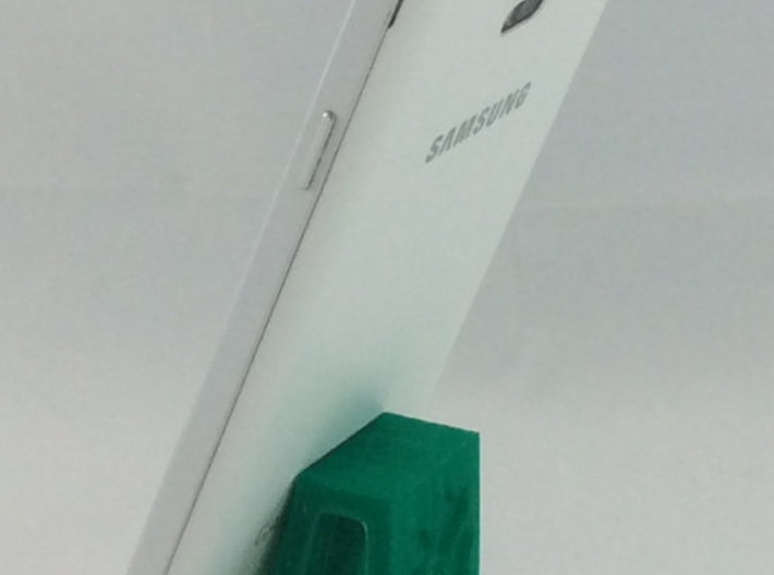 Flexible Phone Stand Keychain - Shamrock 3d printed Supports large phones upright